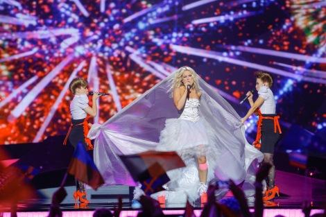 Krista Siegfrids en su actuación representando a Finlandia en Eurovision 2013 en Malmö