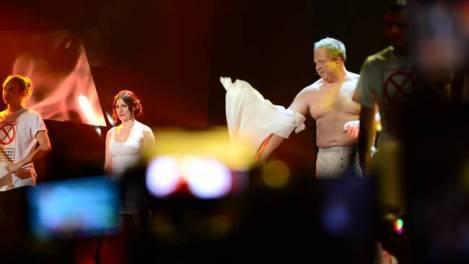 Lars Anders Jansson y Nour El-Refai en el 'opening' de la gala